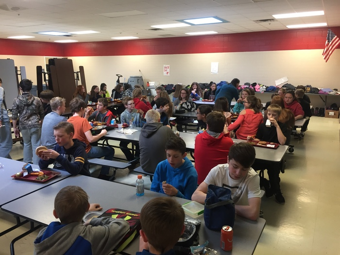 7th Grade Lunch